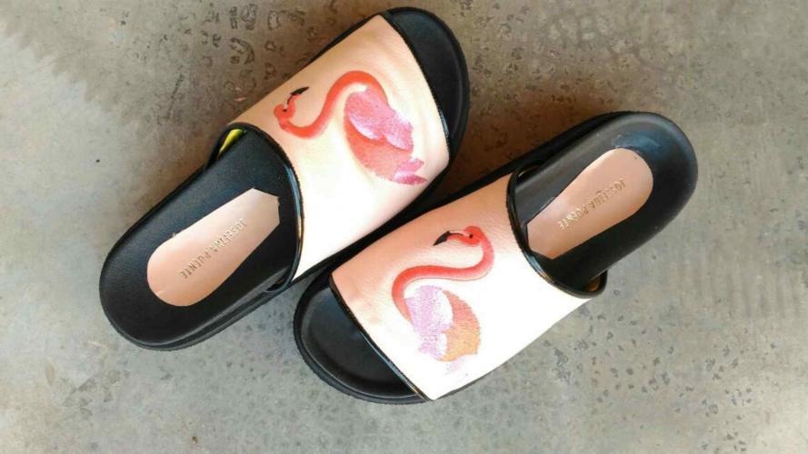 Zapatos cómodos y cancheros, producidos en Córdoba