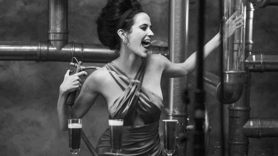 Eva Green, pura sensualidad y belleza en el Calendario Campari 2015 (Fotos y video)