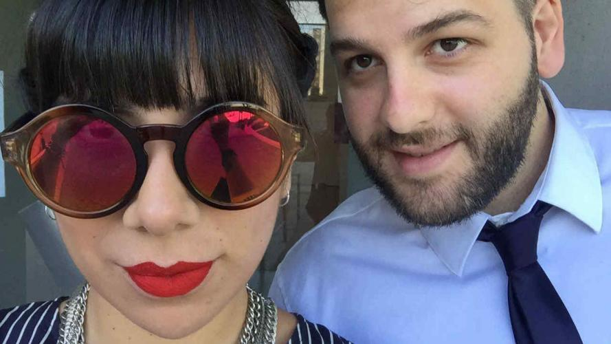 Emprendedores del amor: la pareja que creó un regalo único para usar de a dos