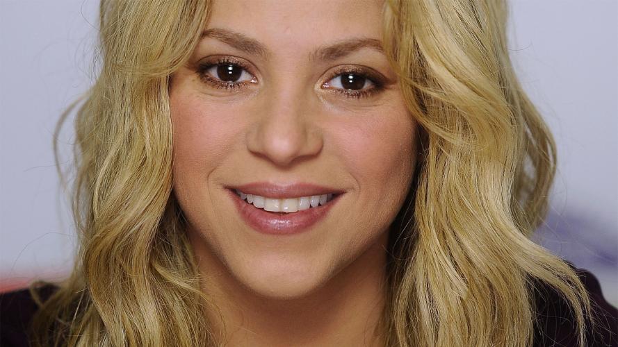 ¿Retrocedió 19 años? Shakira impactó con nuevo look