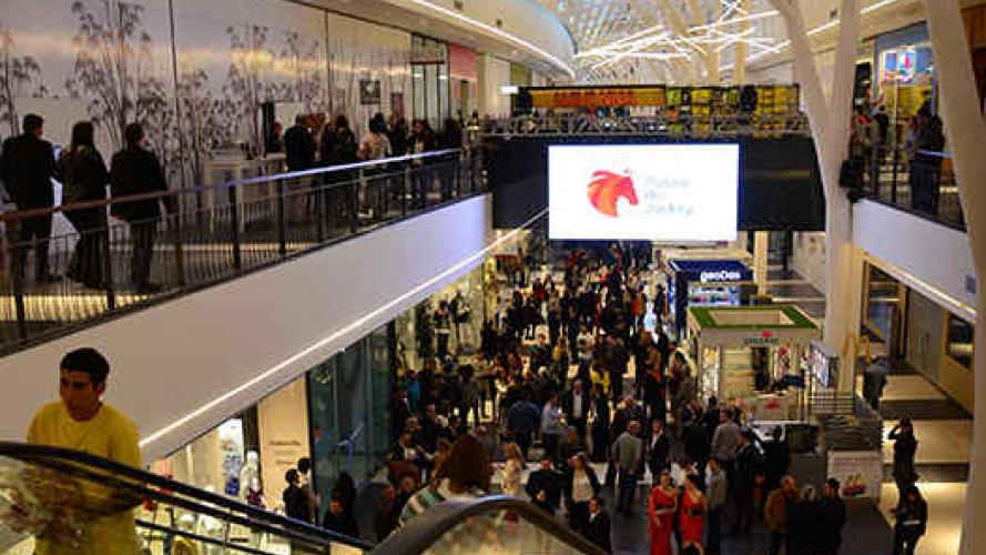 Paseo del Jockey intenta sumar a Falabella, Zara o H&M a su mall