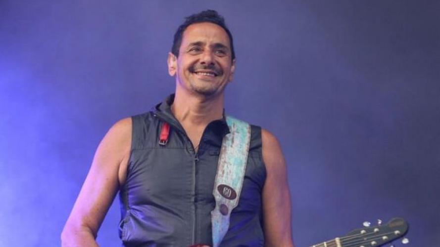 El calzado de Ricardo Mollo en Cosquín Rock reabre una vieja polémica