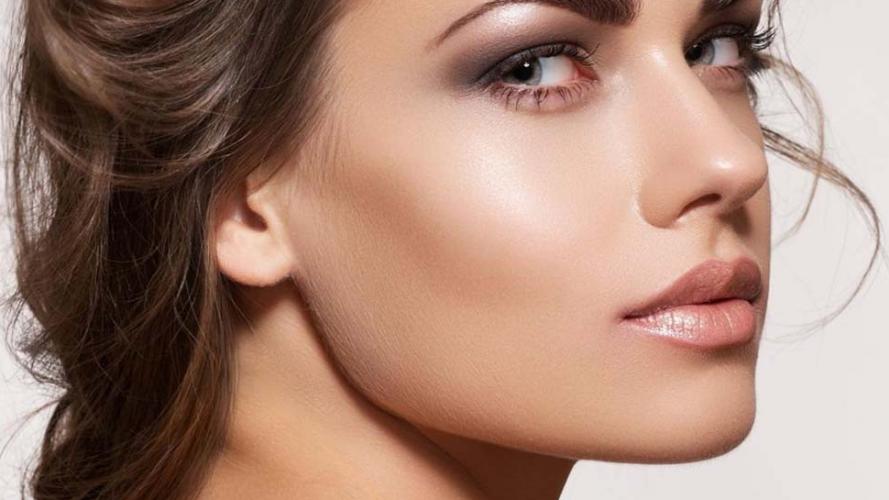 Contouring versus strobing: ¿qué técnica de maquillaje es mejor?