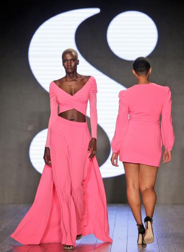 Serena Williams presentó su marca de ropa con un desfile inclusivo
