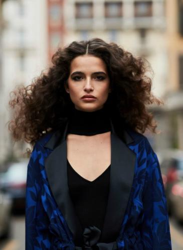 No sufras más con la humedad: la moda actual colabora con tu pelo