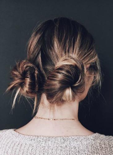 Al banana-bun se le suma el macaron-buns como peinado de moda, ¿lo vas a usar?