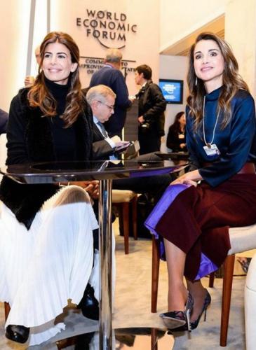 Awada en Davos: look urbano, poco maquillaje y nada de joyas
