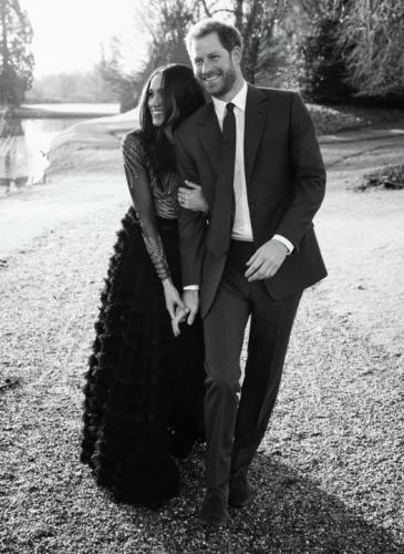 Meghan Markle y el príncipe Harry tuvieron su primera sesión de fotos (¡y amamos el vestido de ella!)