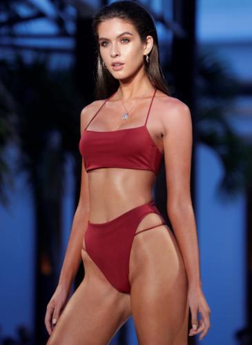 ¡No culpes a la moda! Vuelven las bikinis altísimas que se usaban en los ´80