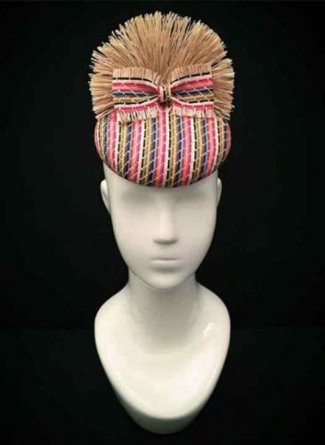 Se viene una clínica para aprender a hacer sombreros de lujo