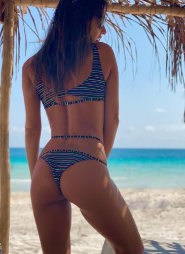 Otra vez Pampita: sus bikinis se convierten en tendencia