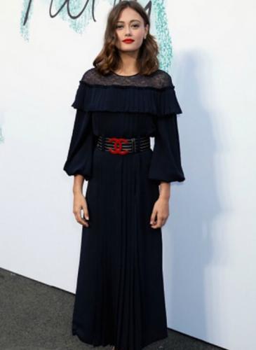 Ella Purnell es la joven que enamora al mundo de la moda (¡y a Brad Pitt!)