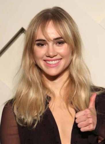 Quién es Suki Waterhouse, la modelo que enamoró a Robert Pattinson