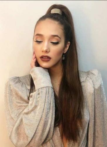 Ángela Torres se lookeó igual a Ariana Grande para los Juegos Olímpicos de la Juventud