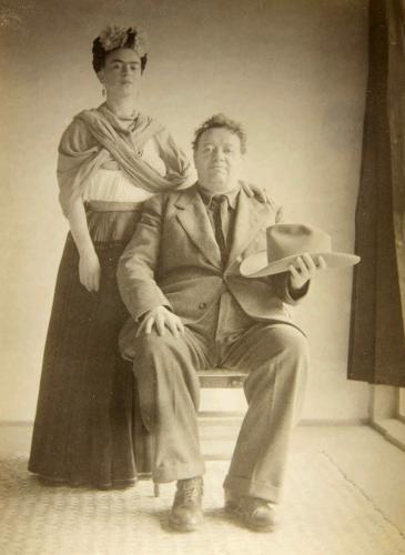 20 lecciones de moda que nos dejó Frida Kahlo: la primera fashionista del arte