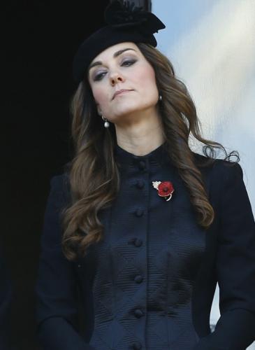 Por qué Kate Middleton no puede quitarse los abrigos en público