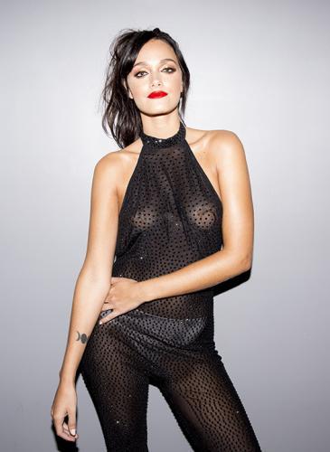 ¡Bomba! El look transparente de Oriana Sabatini