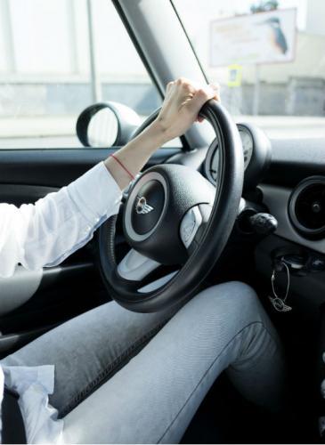 Cuál es la posición ideal para conducir