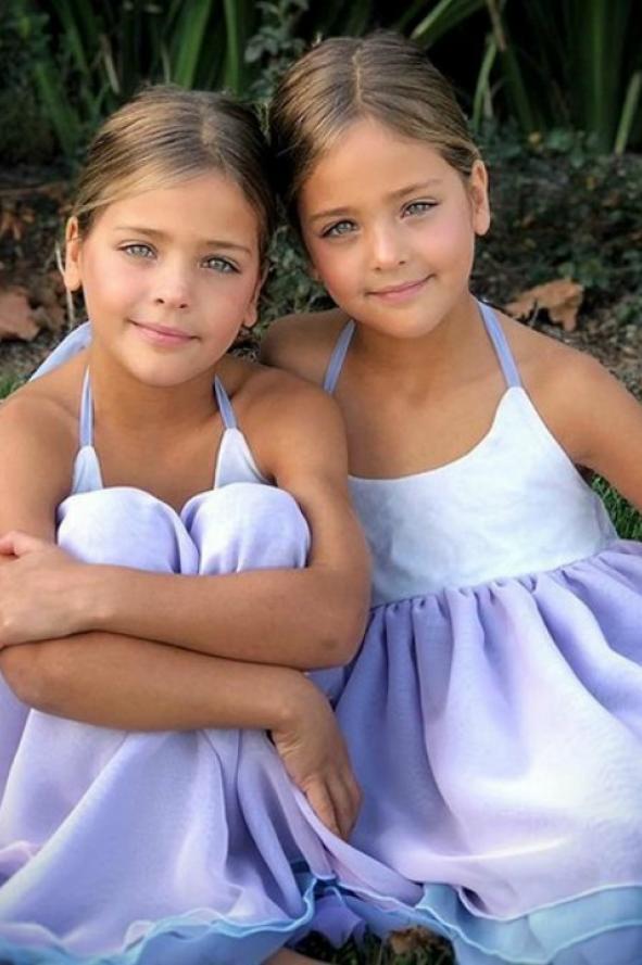 Dos nenas que son unas ricuras bailan - 2 part 8